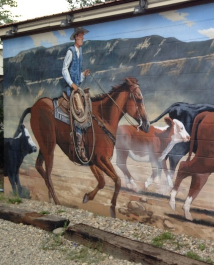 Mural on the Mancos liquor store