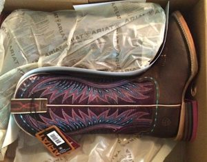 4898ae4e74 I d be lying if I said I didn t run across the yard to grab the precious  Ariat box right out of the UPS driver s hands upon delivery.